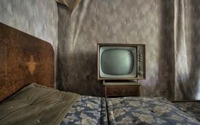 Картинка комната, кровать, телевизор
