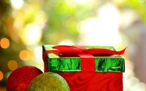 Картинка красный, зеленый, фон, праздник, подарок, обои, новый год, шар, wallpaper, christmas, new year, широкоформатные, background, …