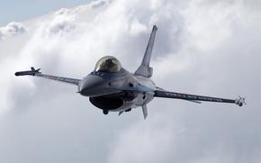 Обои Небо, Облака, Фото, Полет, Истребитель, Высота, Fighting, F-16, Falcon, Многоцелевой