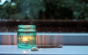 Картинка стекло, дождь, свеча, вечер, окно, банка, ракушки, подоконник, баночка