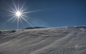 Картинка зима, солнце, лучи, снег, пейзаж, фон, widescreen, обои, wallpaper, landscape, широкоформатные, winter, background, snow, rays, …