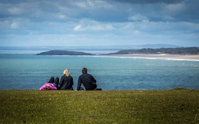 Картинка grass, beach, sky, sea, ocean, seascape, clouds, people, hills, seaside, sunlight, bay, daylight, cove