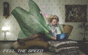 Картинка скорость, подушки, ноутбук, Intel, бигуди, лэптоп, тётка