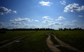 Картинка поле, лес, небо, облака, природа, голубое, Дорога, деревня, сено