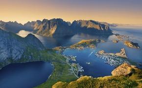 Картинка море, горы, дома, Норвегия, поселок, Лофотенские острова