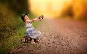 Картинка дорога, камера, девочка, Selfie waiting