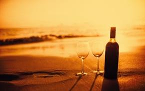 Картинка бутылка, beach, вино, пляж, romantic, песок, sunset, sand, вечер, бокалы