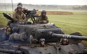 Картинка поле, танк, Брэд Питт, Brad Pitt, драма, экипаж, M4 Sherman, Fury, «Ярость»