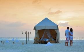 Картинка двое, пара, палатка, океан, романтика, пляж, тент