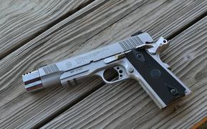 Картинка пистолет, доски, Taurus, полуавтоматический, PT1911