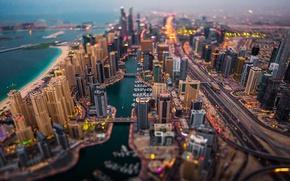 Картинка пляж, здания, лодки, фонари, Дубай, мосты, автомобили, Марина