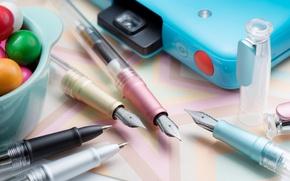 Картинка перо, ручки, канцелярия