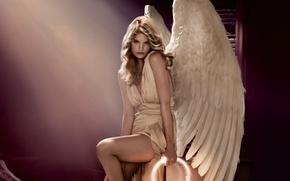 Обои поза, перья, свет, крылья, ангел, рука, нимб, angel, белые, девушка