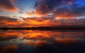 Картинка лес, небо, облака, закат, горы, отражение, река