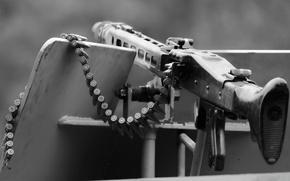 Картинка оружие, MG-42, пулемёт, приклад, патронная лента