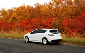 Картинка дорога, машина, осень, мазда