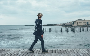 Картинка waves, sea, ocean, seascape, man, pier, bulb jacket