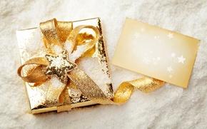 Картинка снег, коробка, подарок, звезда, Новый Год, Рождество, лента, Christmas, звёздочка, праздники, New Year, золотая