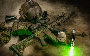 Обои пистолет, AR-15, фонарик, винтовка, полуавтоматическое, каска, штурмовая, луч
