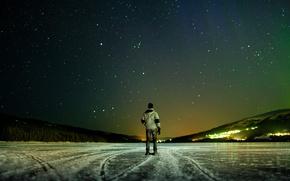 Картинка лед, зима, небо, звезды, ночь, огни, река, фон, настроение, обои, картинки, горизонт, wallpapers, человек., Tilt ...