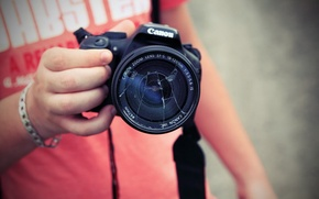 Картинка руки, фотоаппарат, фотограф, Canon, обьектив