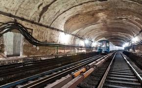Обои метро, рельсы, шпалы, тунель, подземка, ПРОВОДА, СВЕТ, ЛАМПЫ, КАБЕЛЯ, АРКА, ПОЕЗД, ОГНИ