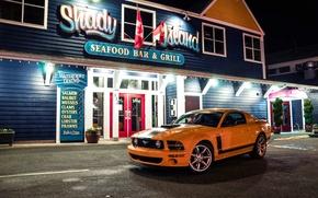 Картинка огни, жёлтый, здание, Mustang, Ford, Форд, Мустанг, вывеска, вид спереди, yellow, Салин, Saleen Parnelli Jones …