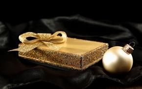 Картинка зима, коробка, подарок, черный, игрушки, шар, шарик, шелк, блестки, Новый Год, Рождество, ткань, золотой, бант, …