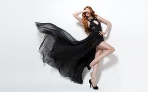 Обои поза, фон, туфли, redhead, танец, Девушка