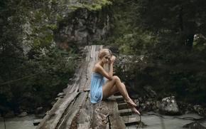 Картинка взгляд, девушка, мост, платье, ножки