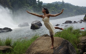 Картинка Indian, Rocks, Stream, Dancer, Poise, Nritya Shakti