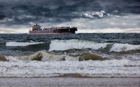 Картинка море, волны, небо, тучи, пасмурно, берег, корабль, горизонт, прибой, танкер