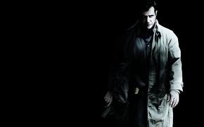 Картинка оружие, черный фон, плащ, Мэл Гибсон, Mel Gibson, Edge of Darkness, полицейский значок