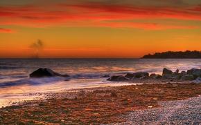 Картинка море, небо, облака, камни, берег, зарево
