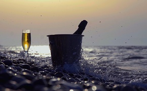 Картинка summer, beach, splash, champagne, champagne glass