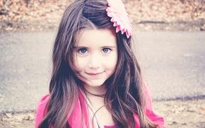 Картинка взгляд, дети, лицо, HD wallpapers, обои, разное, брюнетка, полноэкранные, девочка, настроения, широкоформатные, фон, улыбка, цветок, ...