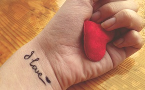 Обои love, рука, любовь, сердце
