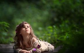 Обои цветы, боке, венок, настроение, девочка