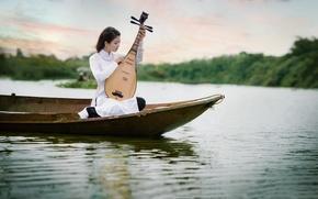 Обои азиатка, музыка, девушка, лодка, водоем, инструмент