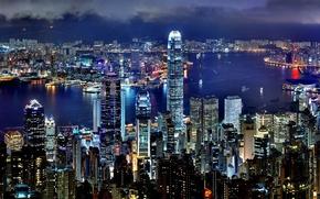 Картинка city, lights, widescreen, sea, ocean, night, Hong Kong, buildings, skyscrapers, ships, harbor, cityscape, multi-monitors