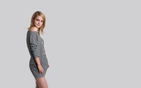 Картинка девушка, милая, модель, платье, актриса, Эмма Уотсон, Emma Watson, серый фон, полосатое