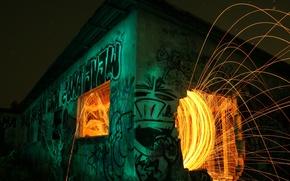 Обои искры, ночь, граффити, огонь