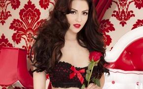 Обои Cassie Laine, кровать, лампа, цветок, роза, девушка, playboy, узор