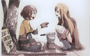 Обои улыбка, дерево, сидит, две девушки, длинные волосы, накидка, короткие волосы, светлые волосы, sword art online, ...