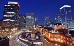 Обои небо, ночь, огни, движение, здания, дома, небоскребы, выдержка, Япония, подсветка, Токио, синее, мегаполис, столица, траффик