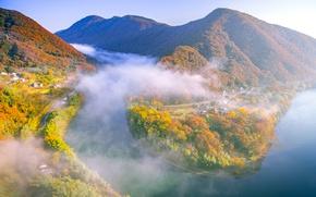 Картинка осень, лес, деревья, горы, туман, река, Япония, Окаяма
