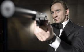Обои 007, Дэниел Крейг, Джеймс Бонд, пистолет, оружие