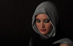 Картинка портрет, макияж, платок