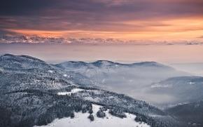 Картинка небо, снег, деревья, закат, горы, оранжевый, туман, холмы, вид, высота, Зима, вечер, Альпы, панорама