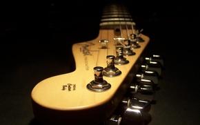 Картинка темнота, гитара, струны